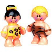 Couple de personnages préhistoriques