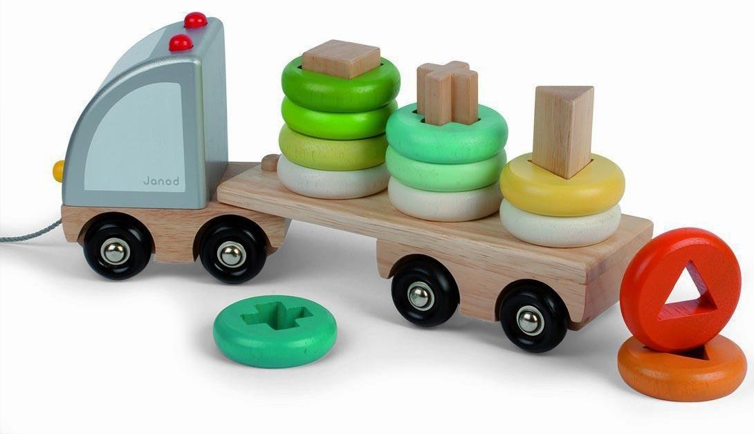 Camion en bois multicolore  Janod  Jeux à empiler ou à  ~ Jeux De Camion De Bois