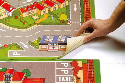 tapis de jeu l 39 a roport 100x150 cm house of kids. Black Bedroom Furniture Sets. Home Design Ideas